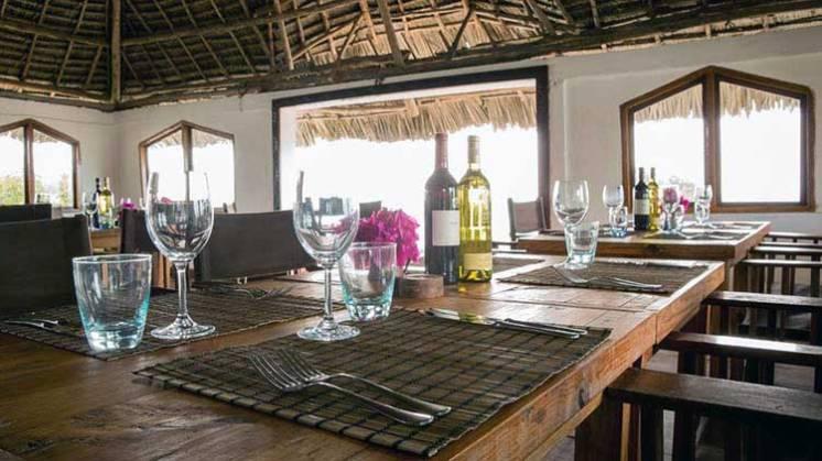 Viajes_Inusuales_Zanzibar_Rock_Restaurant