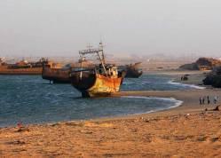 unusualtravels_cementerio_barcos_noadibou2