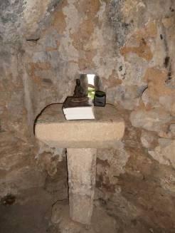 Puerta de acceso a la cueva