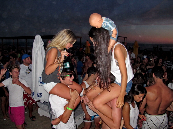 Fiesta en Playa Bikini