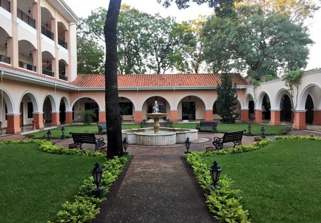 Le Moustier Suites de Asunción