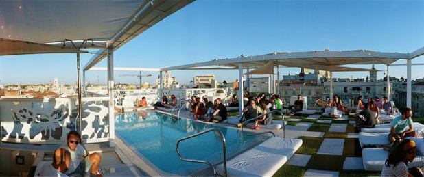 hoteles piscina madrid vistas