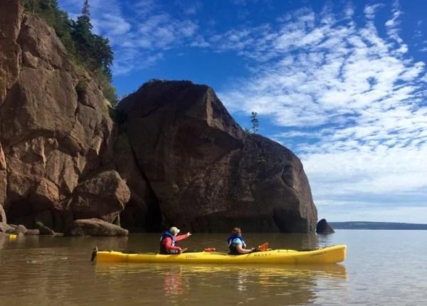 Kayak em Bay of Fundy, Canadá