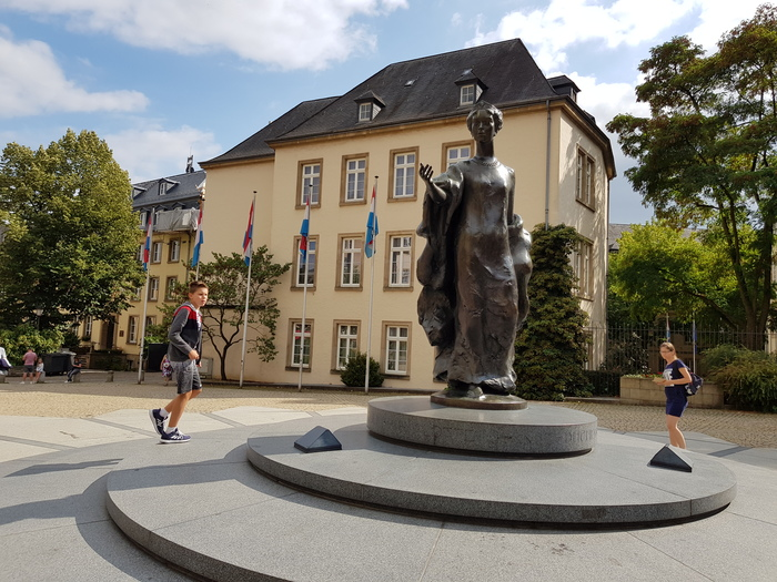 Luxemburgo Place Clairefontaine