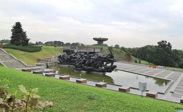 Monumento Mãe Pátria escultura