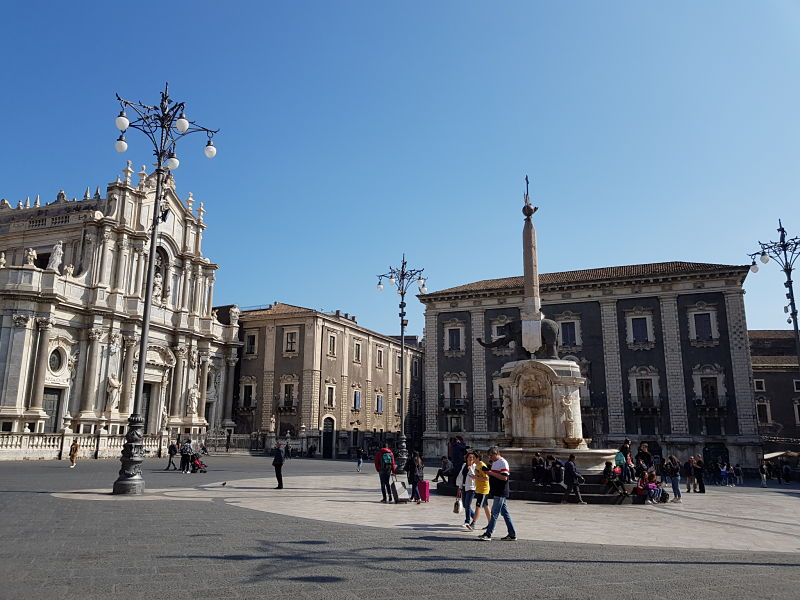 Atrações de Catânia Piazza Duomo3
