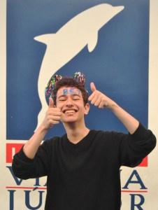 Marcelo, ex aluno do Vianna comemorando sua aprovação em Ciência da Computação