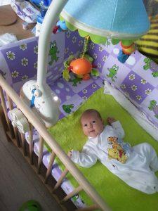 activitati bebe 3 luni
