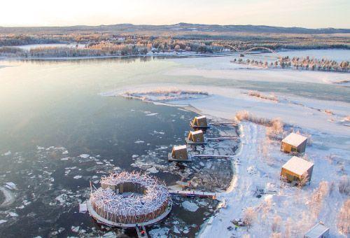 Blog | Abren el primer hotel flotante hecho solo de madera en Suecia