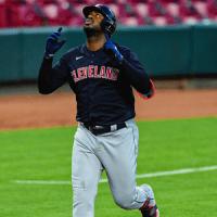 VIDEO: Cuadrangular de Franmil Reyes decide para Cleveland