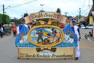 Desfile cívico de Vicência celebra os 200 anos da Revolução Pernambucana