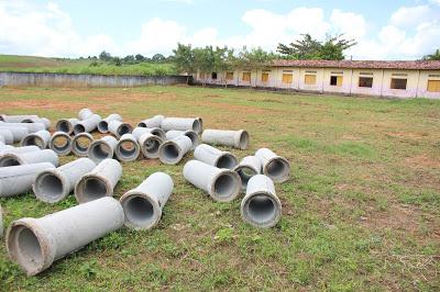 Retomada as obras da quadra do distrito de Trigueiros, em Vicência