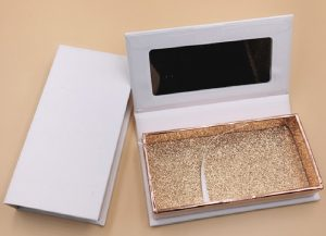 Custom Eyelash Boxes