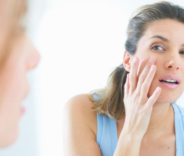 Adult Acne Vs Younger Acnewhat You Need To Know About Breakouts When Youre Over