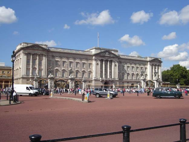 O Palácio de Buckingham visto de fora. Foto: Marcelle Ribeiro