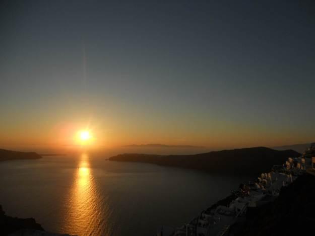 Pôr do sol em Santorini, na Grécia. Foto: Marcelle Ribeiro.