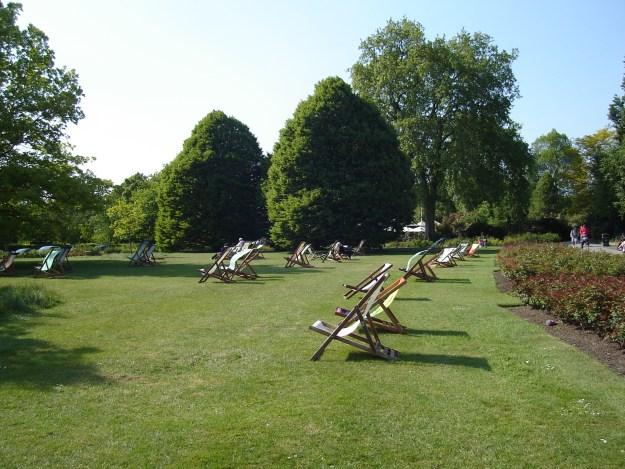 O Regent's Park e as cadeirinhas para a galera tomar sol. Foto: Marcelle Ribeiro