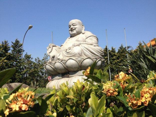 o que fazer em embu das artes templo budista