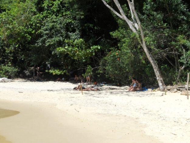 meia volta ilha grande praia da feiticeira