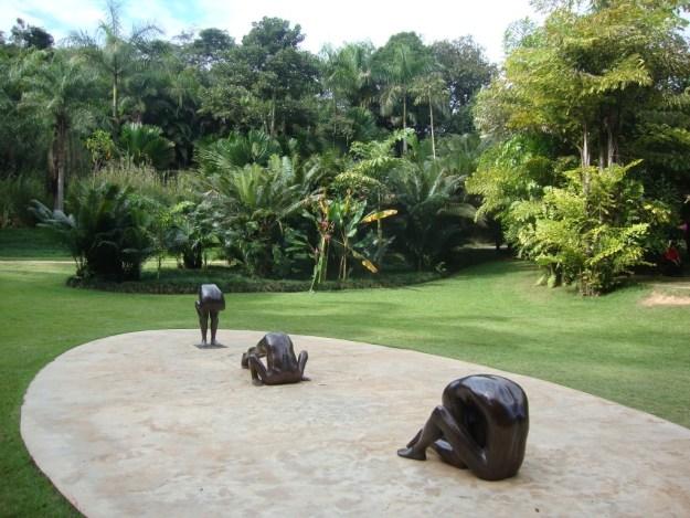 Esculturas de Edgard de Souza em Inhotim. Foto: Marcelle Ribeiro