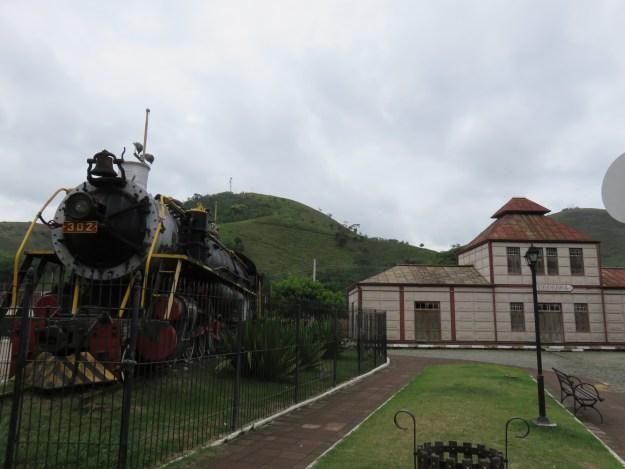 Estação de trem e locomotiva em Bananal. Foto: Marcelle Ribeiro