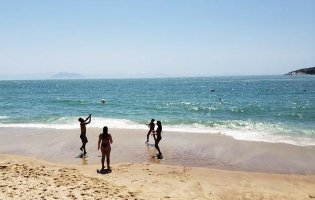 praia joão fernandes volei melhores praias de buzios