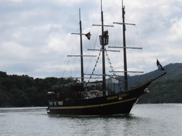 ilha de porto belo barco pirata