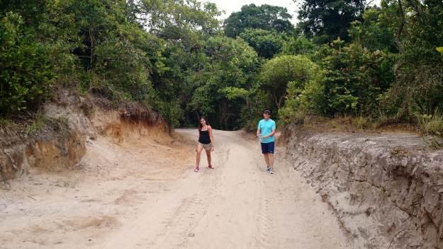 Trilha para Moreré, na Ilha de Boipeba. Foto: Letícia Mascarenhas