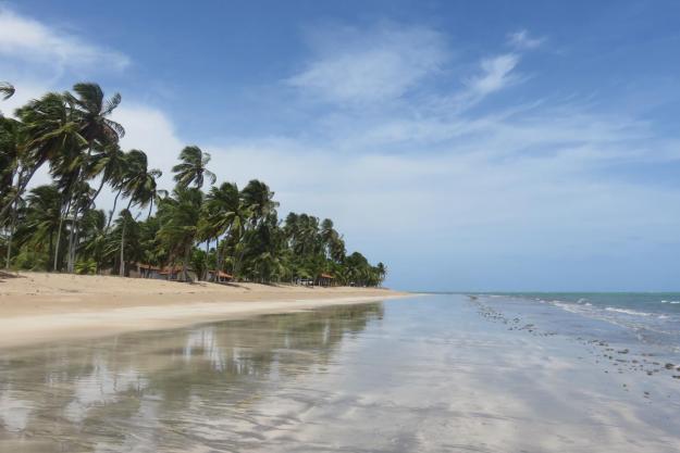 A praia de Japaratinga é ótima para caminhar. Foto: Marcelle Ribeiro