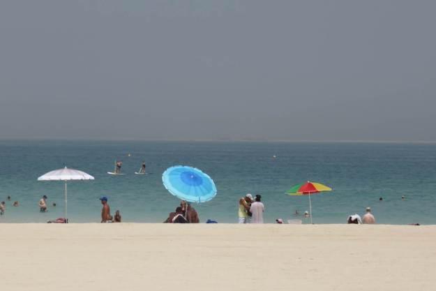 Foto de praia em Dubai só assim: longe do mar. Foto: Marcelle Ribeiro