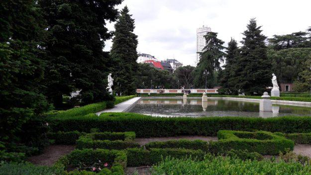 madrid-lago-jardins-sabatini