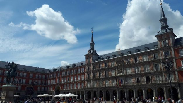 madrid-plaza-mayor-movimento