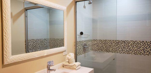 aqualina inn banheiro
