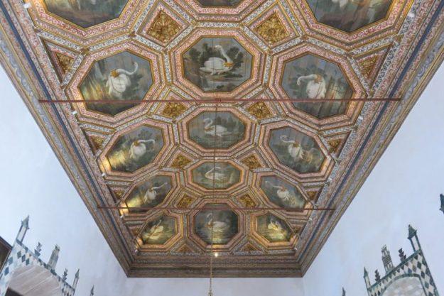 O que fazer em Sintra Palácio da Vila teto madeira
