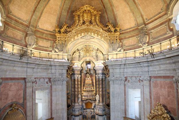 altar torre clerigos o que fazer em porto