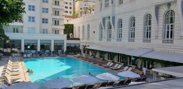 diária no copacabana palace piscina