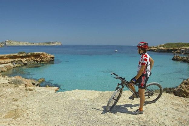 bicicleta praia o que fazer em ibiza