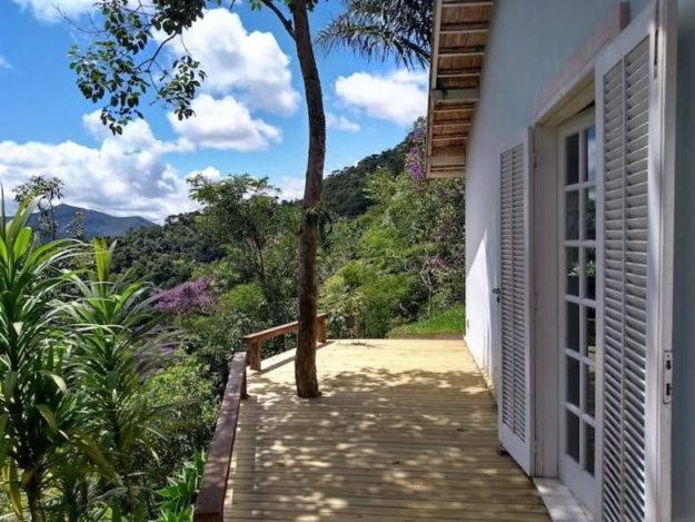 varanda casa itaipava airbnbrj