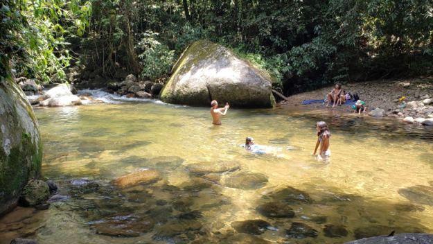 cachoeiras em paraty poço das andorinhas