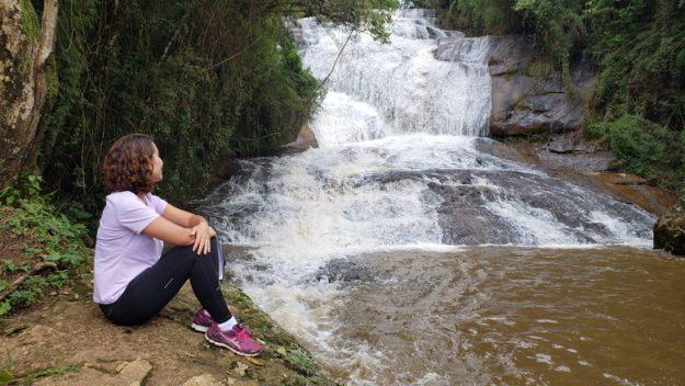 mulher cachoeira sete quedas gonçalves mg