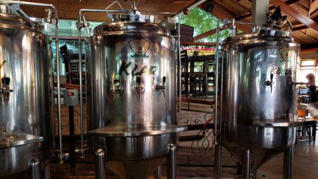 toneis cervejaria o que fazer em monte verde