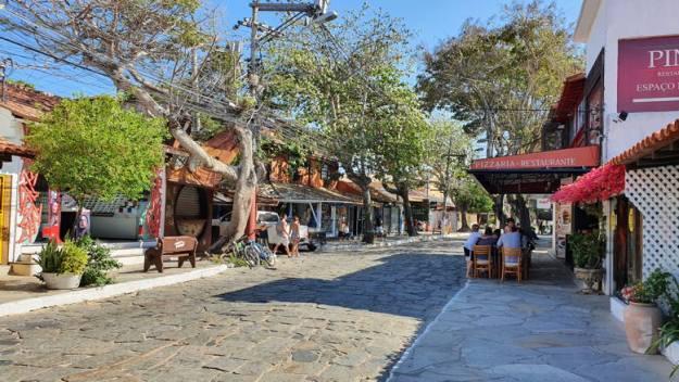 rua das pedras onde comer em búzzios