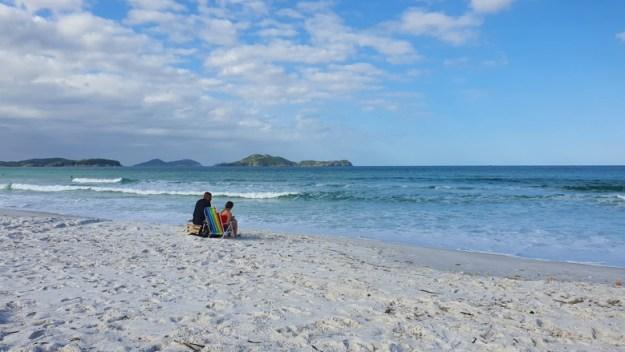 casal praia das dunas praias de cabo frio