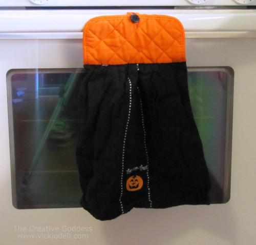 Halloween Crafts: Hanging Hand Towel for the Oven Door