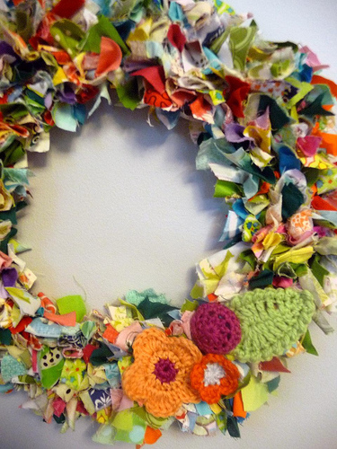scrap-fabric-wreath