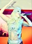 lady gaga live rmania 2