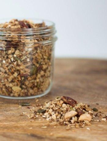 Vicky van Dijk | Granola met pecannoten, amandelen en kokos