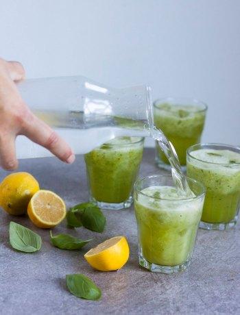 Vicky van Dijk   Basilicum limonade met komkommer en citroen