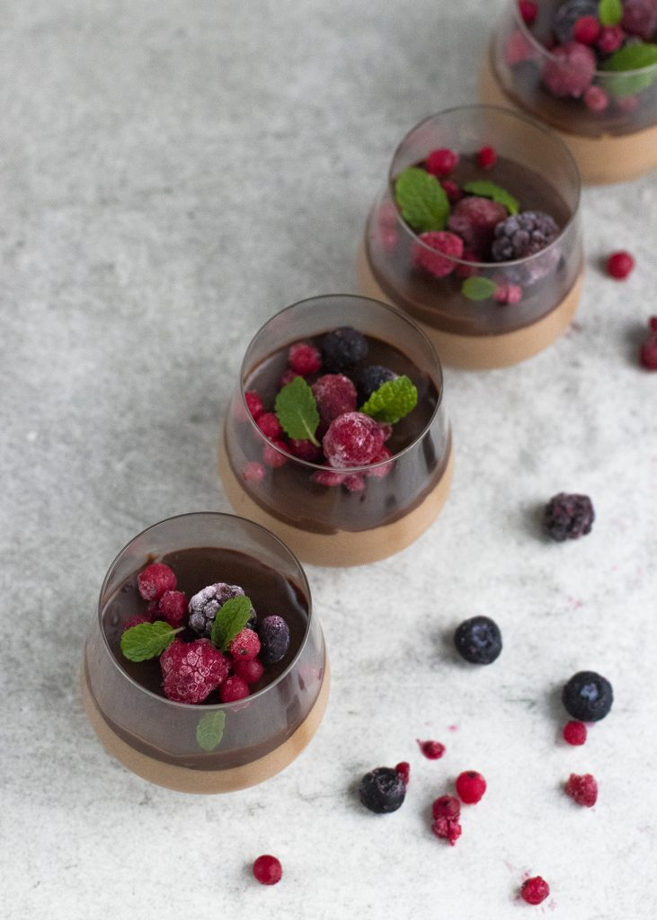 Chocolademousse met rood fruit
