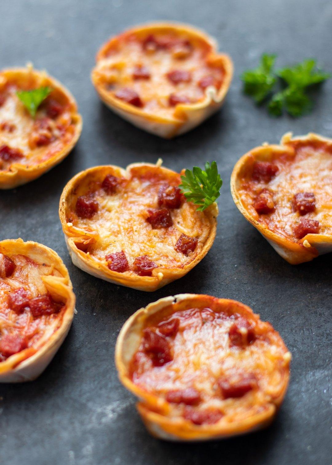 Mini pizza's met chorizo